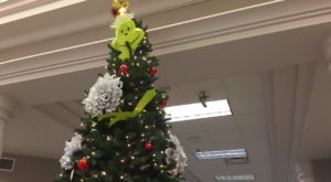 Library wins Dothan Campus Festival of Trees award