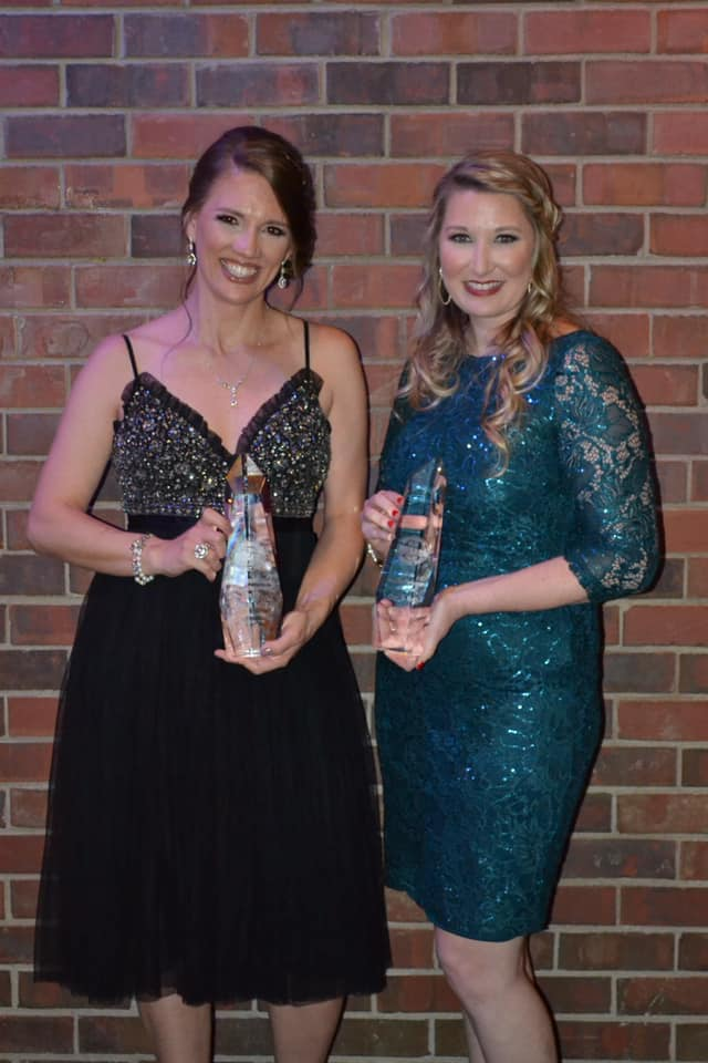 Cori & Kelly pose with their ICMA awards.