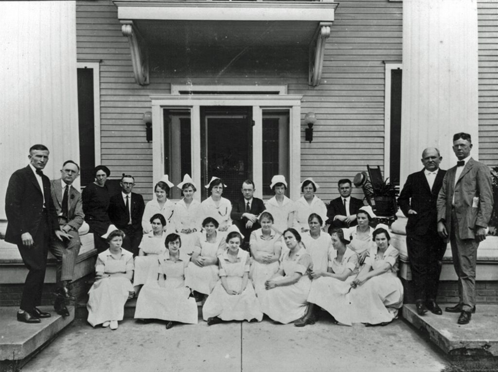 Doctors and Nurses at Frasier-Ellis Hospital, n.d., Hugh Spann Collection, Wiregrass Archives.