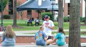 Students enjoy snow cones on the quad during 2020 Welcome Week activities.